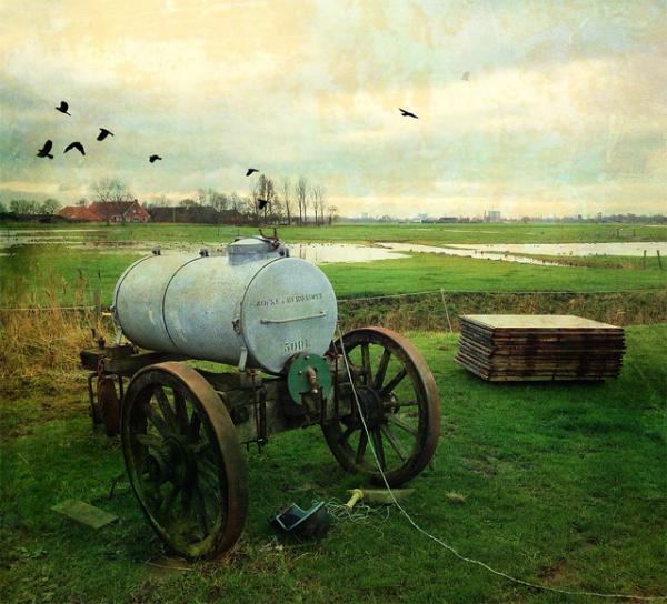 Landbouwvoertuig, bewerkte foto.